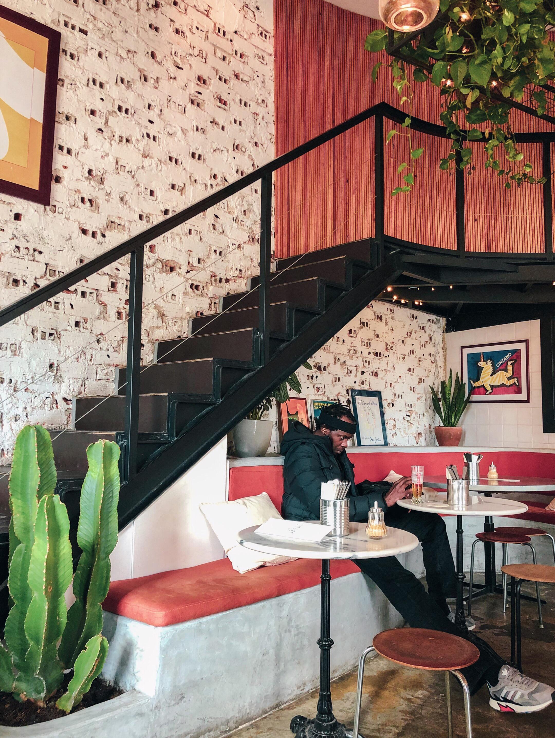 Interiors Café Janis
